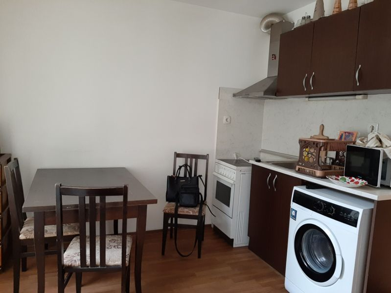 Под наем 2-стаен апартамент Окръжна болница Варна