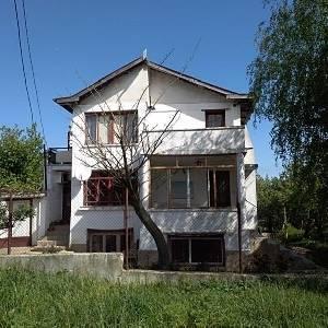 Продава къща село Кичево