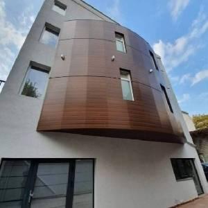 Продава етаж от жилищна…