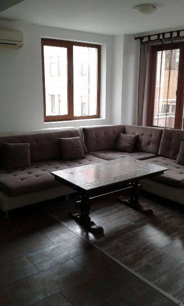 Наеми 4-стаен апартамент…