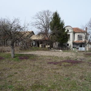 Sells house,Varna region