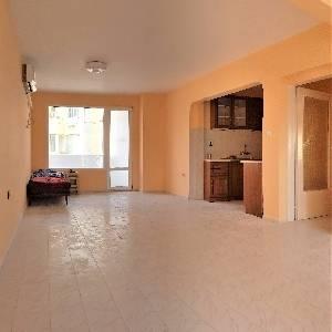Продава двустаен апартамент ЗК Тракия