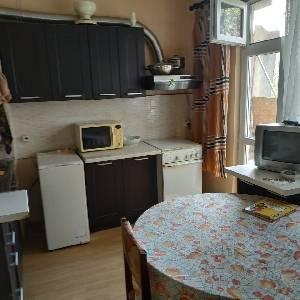 Продава 4-стаен апартамент,Младост