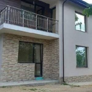 Продава Къща, Галата