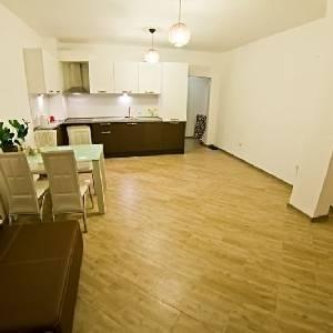 Продава 4-стаен апартамент Галата Варна