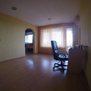 Продава 3-стаен апартамент Нептун Център Варна