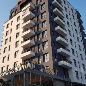 Продава 3-стаен апартамент в жилищна сграда кв. Бриз