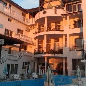 Продава Хотел Галата