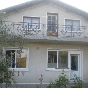 Продава къща в село…