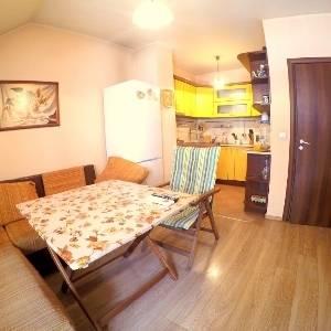 3-Стаен апартамент, Колхозен пазар, Продава