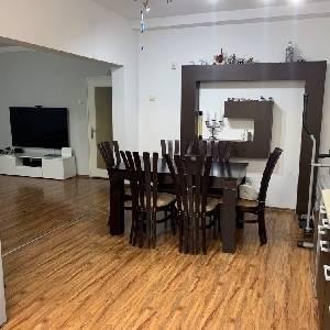 Продава 4-стаен  апартамент Център Варна
